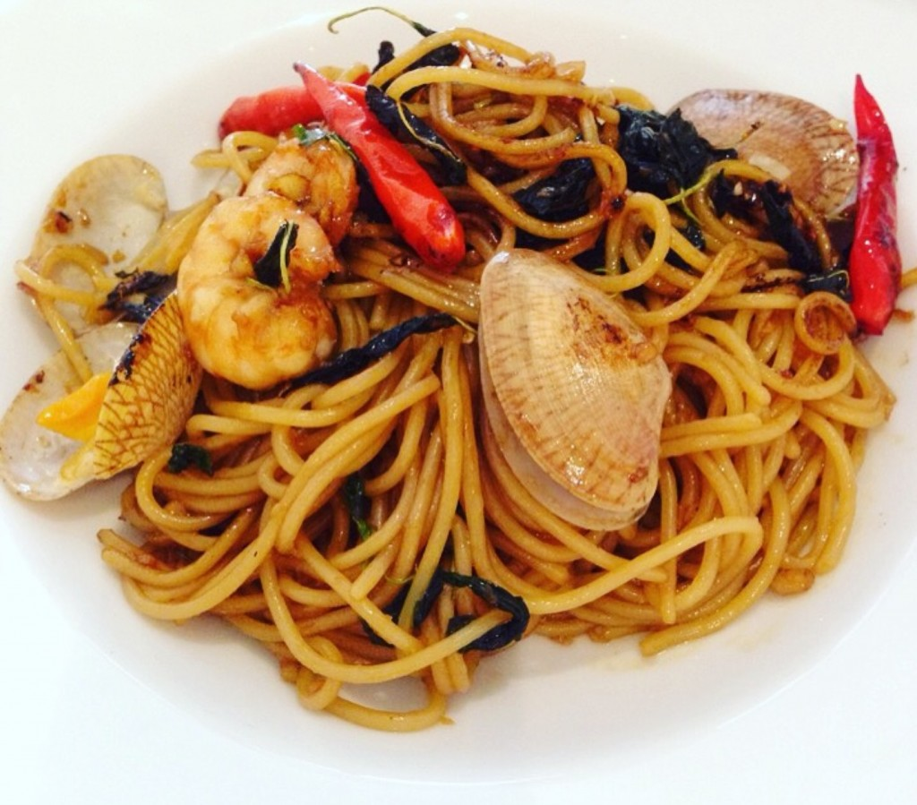Spicy Thai Spaghetti -- smoking hot, great flavours