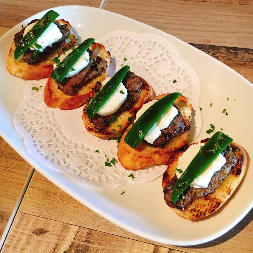 Black Angus tenderloin with Mexican chilli and sour cream in a yummy tapas