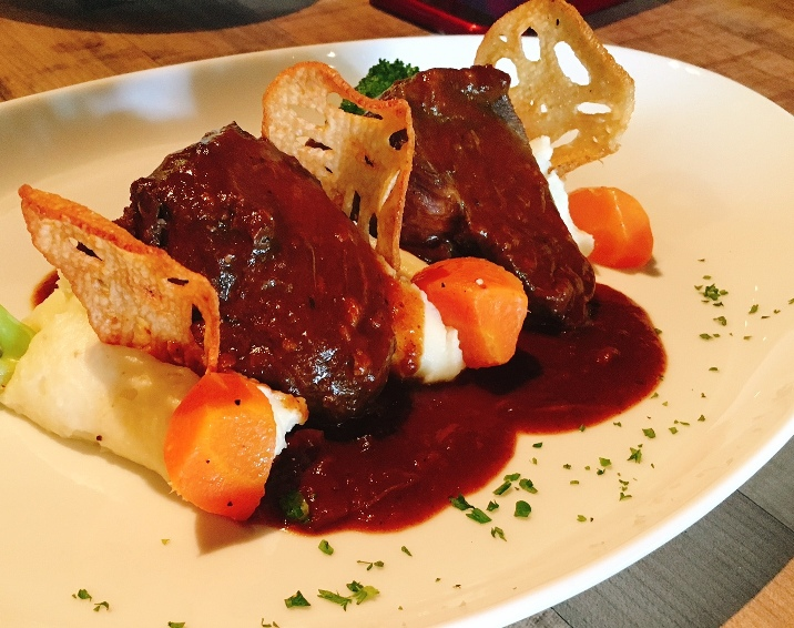 Braised Wagyu Beef Cheek with beef jus, served with truffle mashed potato
