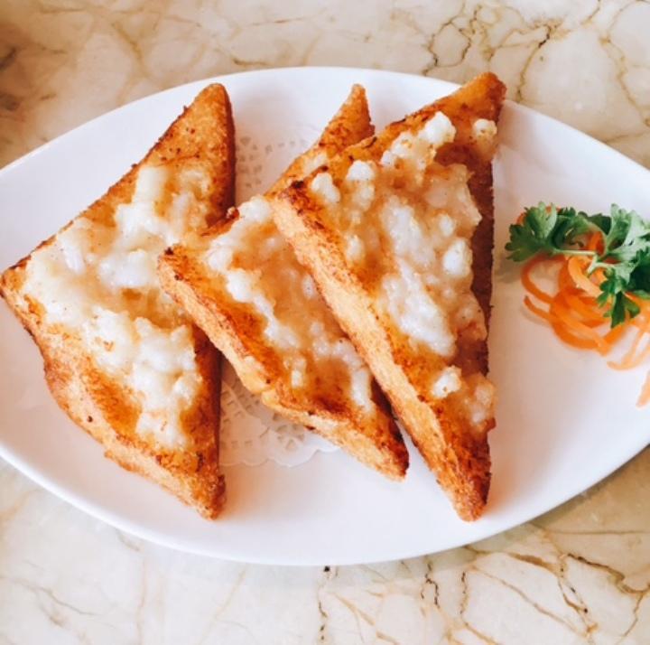 Old Fashioned Prawn Toast