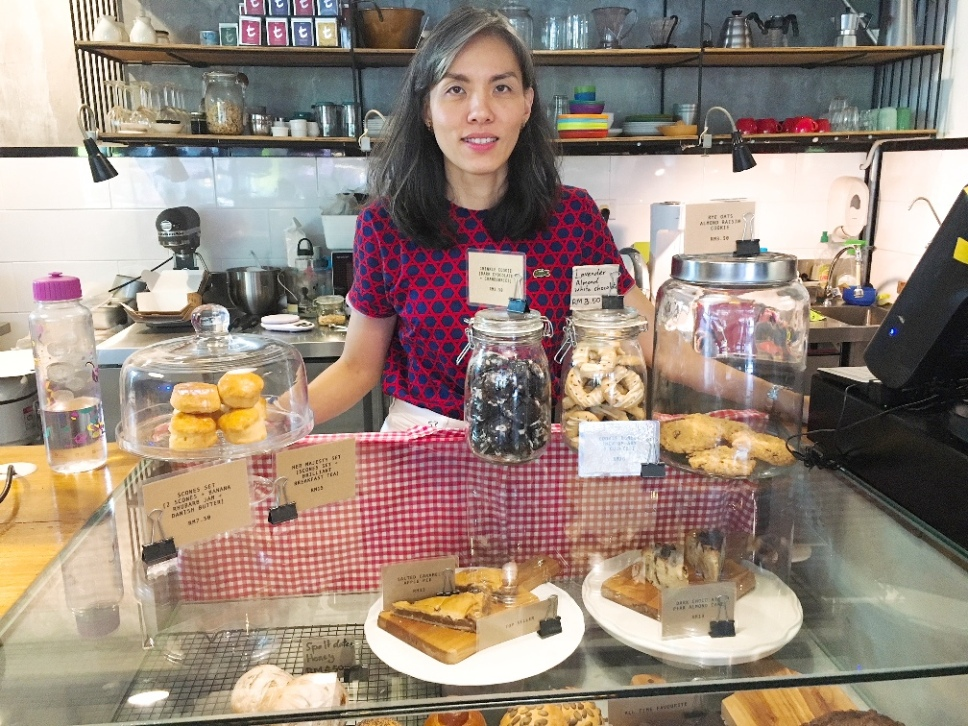 Shyue Chin gives the artsanal touch to breads, pastries, cakes, desserts and coffee