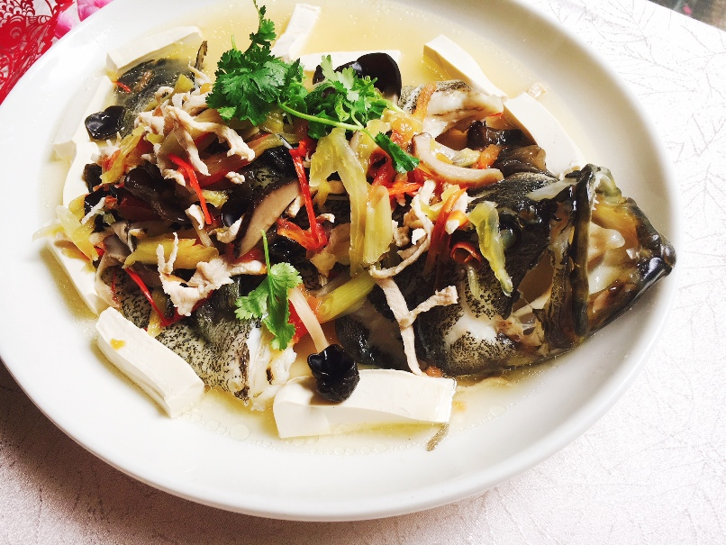 Steamed Long Fu Pan with black fungus, Teochew Style