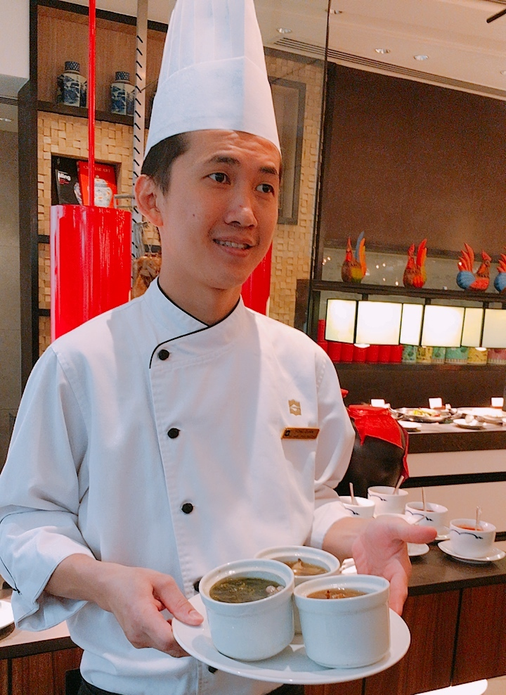Chef Au Yong Guan with his double-boiled soups