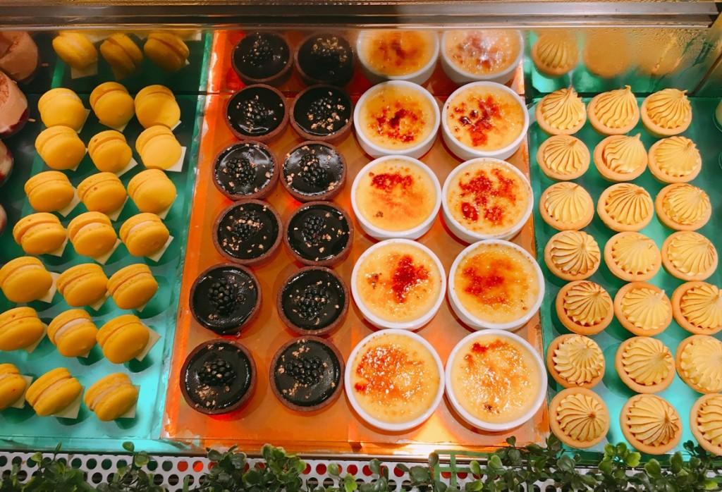 Macarons, tarts, creme brulee