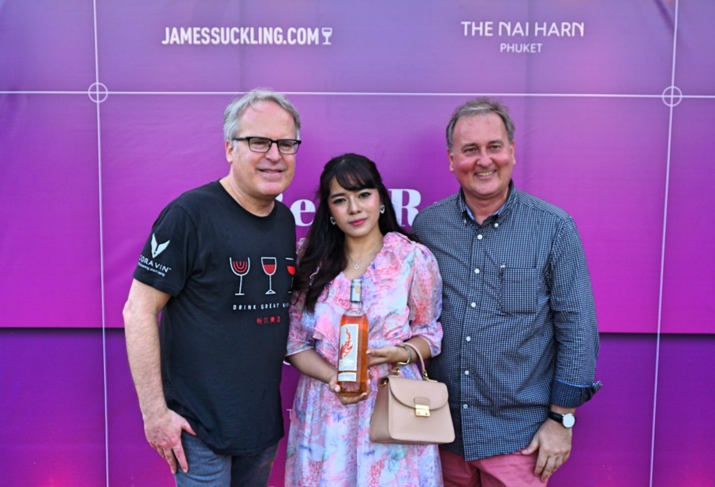 James Suckling (left), and Frank Grassmann (right) with Issare Phinsuwana, representative from the winning vineyard, Monsoon Valley in Hua Hin Thailand