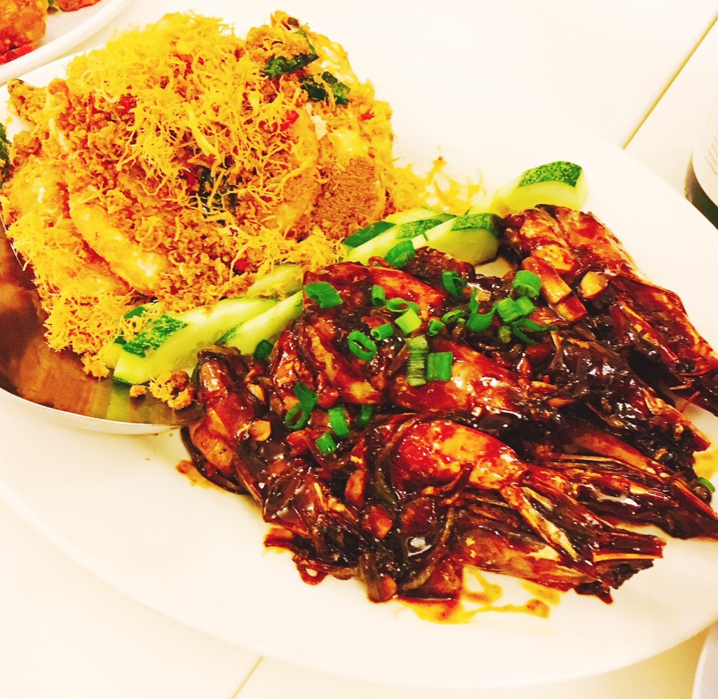 Prawns in 2 styles --Prawns in Superior Soy Sauce, and Prawns in Butter (Lai Yau Har)