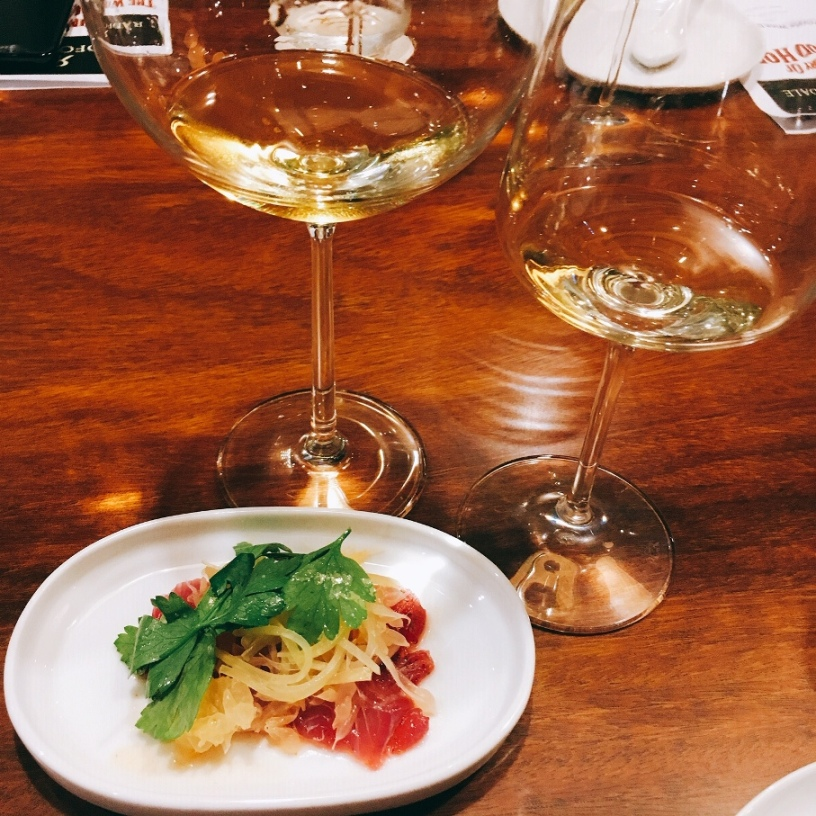 Cured Red Snapper with Papaya salad paired with the first Chenin Blanc